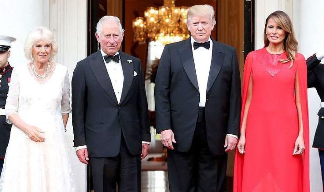 Εκθαμβωτική η Μελάνια Τραμπ στο κατακόκκινο φόρεμά της – Υποδέχθηκε Καμίλα-Κάρολο για δείπνο (φωτό) - Κυρίως Φωτογραφία - Gallery - Video
