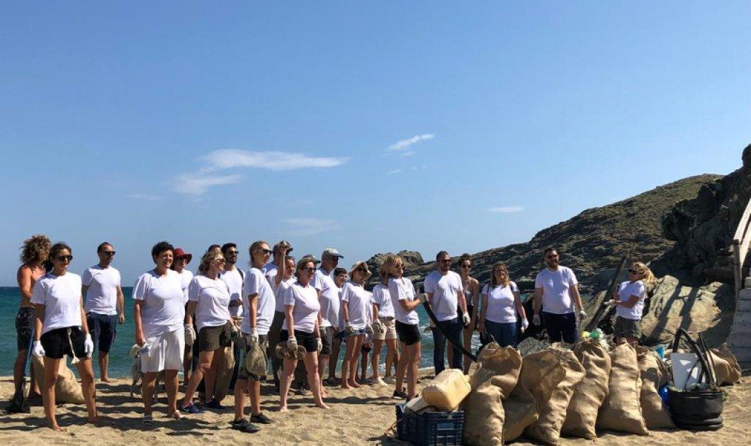 Οικολογική δράση από τη Μαρέβα Μητσοτάκη στην Τήνο - Μαζί με εθελοντές καθάρισε παραλίες από τα πλαστικά (φώτο)   - Κυρίως Φωτογραφία - Gallery - Video