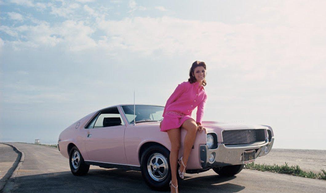 14 Vintage φωτογραφίες με κορίτσια του Playboy να ποζάρουν πάνω σε λιμουζίνες στα μέσα του 1960 & 1970 - Κυρίως Φωτογραφία - Gallery - Video