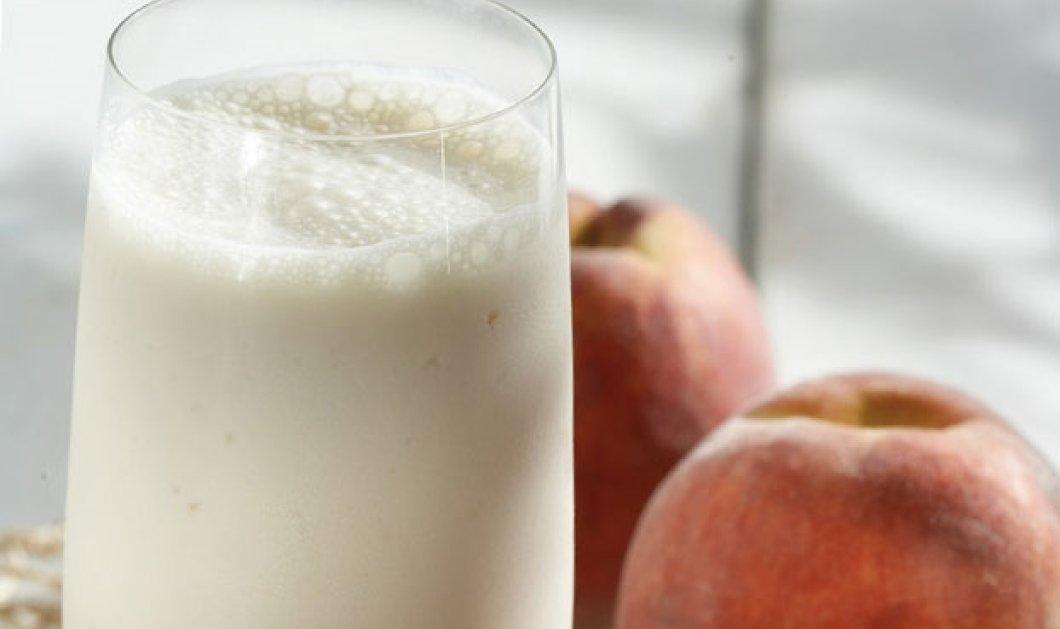 Η Αργυρώ Μπαρμπαρίγου μας φτιάχνει απολαυστικό και δροσιστικό smoothie βερίκοκο – ροδάκινο - Κυρίως Φωτογραφία - Gallery - Video
