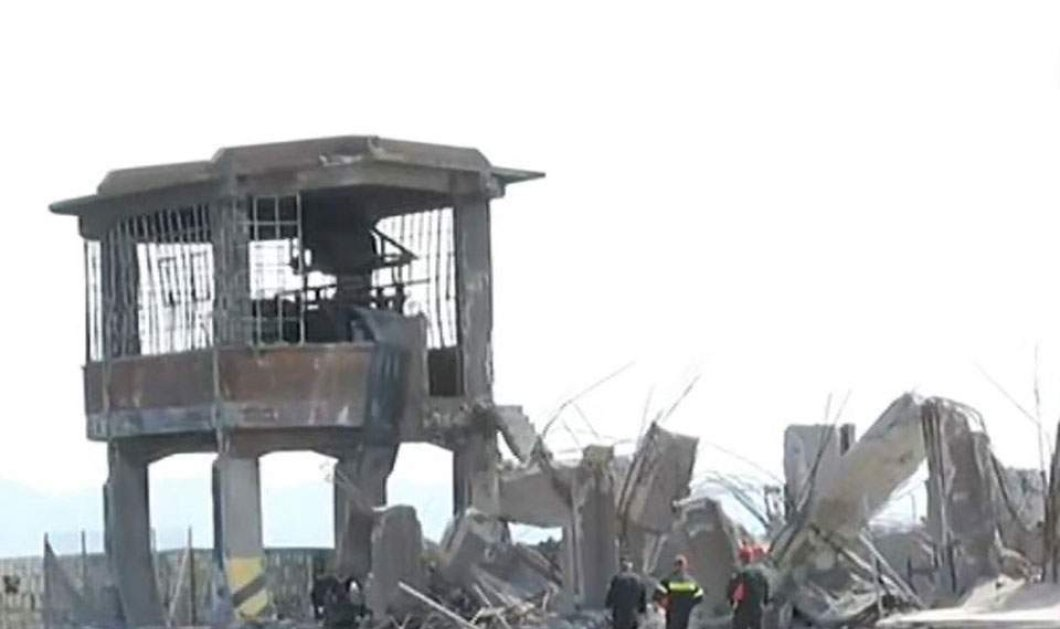 Σεισμός στην Αττική: Κατέρρευσε ο ταινιόδρομος στην πύλη Ε1 στον Πειραιά (βίντεο) - Κυρίως Φωτογραφία - Gallery - Video