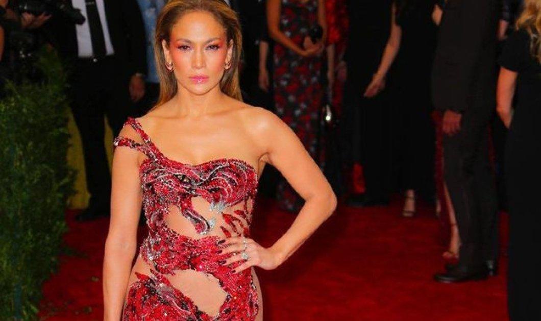 Η μία & μοναδική Λατίνα ντίβα η Jennifer Lopez έγινε 50 ετών - Κορίτσι λάστιχο, απίθανα καλοντυμένη τρελά ερωτευμένη (φώτο) - Κυρίως Φωτογραφία - Gallery - Video