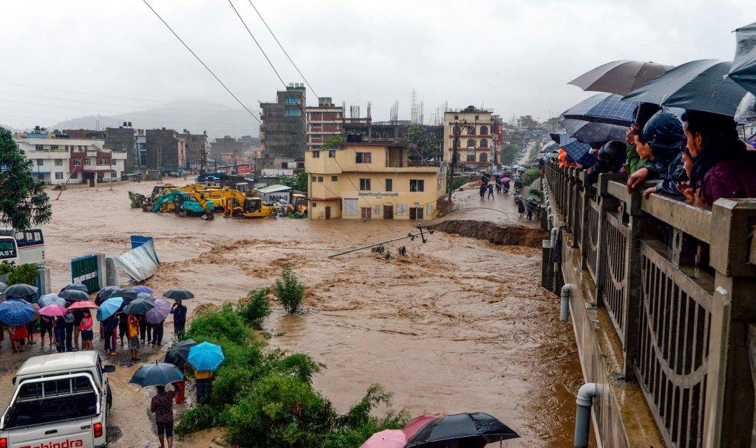 Τραγωδία στο Νεπάλ: Τους 55 έφτασαν οι νεκροί από τις πλημμύρες, χιλιάδες οι εκτοπισμένοι (φώτο-βίντεο) - Κυρίως Φωτογραφία - Gallery - Video