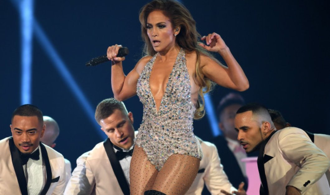 Οι φωτογραφίες της Jennifer Lopez ως stripper, έχουν κάνει το γύρο του κόσμου κάνοντας τους απανταχού θαυμαστές της να παραμιλούν! (βίντεο) - Κυρίως Φωτογραφία - Gallery - Video