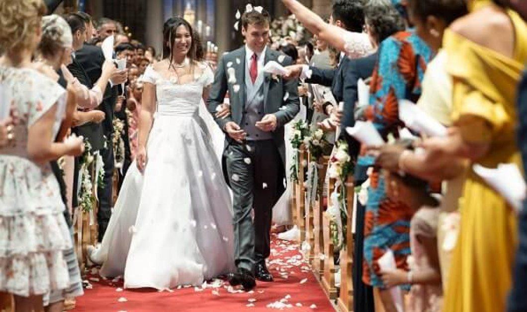 Συγκινημένη η πριγκίπισσα Στεφανί του Μονακό στο γάμο του μοναχογιού της Λουί με την Marie - Στην εκκλησία που παντρεύτηκε η Γκρέις Κέλι η τελετή (φώτο) - Κυρίως Φωτογραφία - Gallery - Video