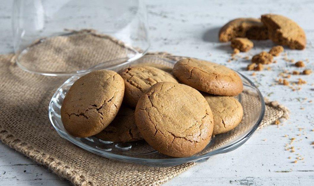 O Άκης Πετρετζίκης μας φτιάχνει πεντανόστιμα cookies με ζάχαρη καρύδας - Κυρίως Φωτογραφία - Gallery - Video
