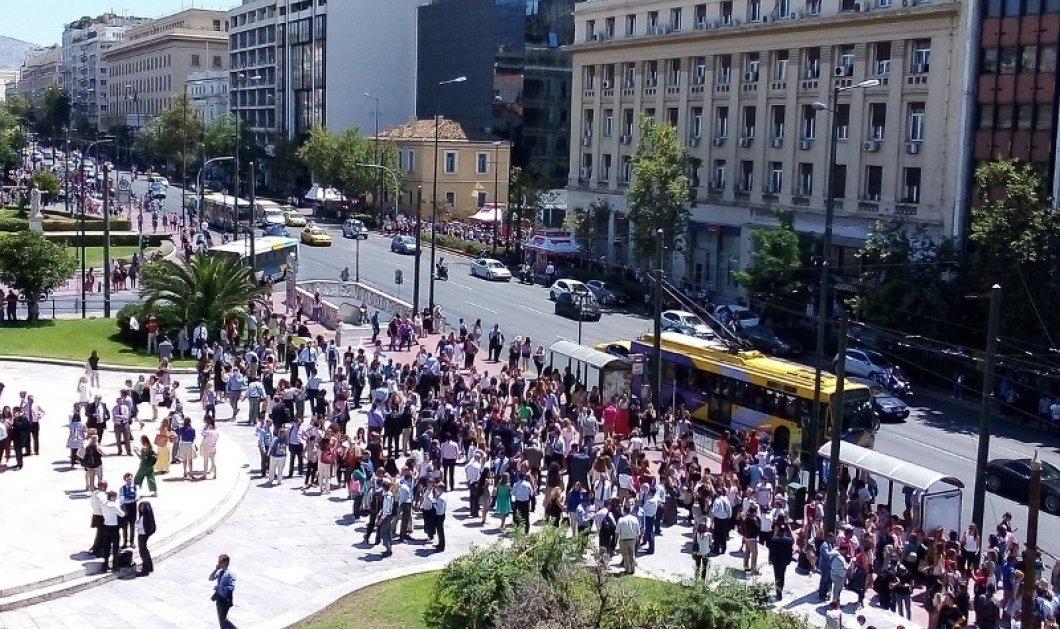 Σεισμός στην Αθήνα: Ο τρομαχτικός ήχος που έσπειρε τον πανικό στους πολίτες - Τα βίντεο  - Κυρίως Φωτογραφία - Gallery - Video