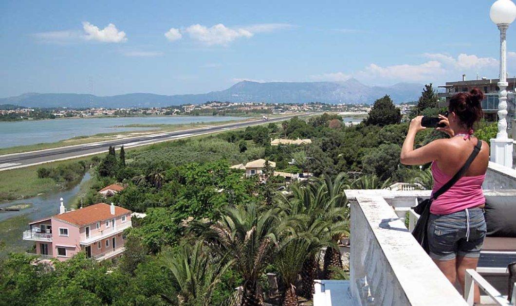 """Σάλος στις βρετανικές εφημερίδες για την αποφυλάκιση του Έλληνα """"Βιαστή του Κάβου"""" με το νόμο Παρασκευόπουλου - Βγήκε 43 χρόνια νωρίτερα & κυκλοφορεί ελεύθερος   - Κυρίως Φωτογραφία - Gallery - Video"""