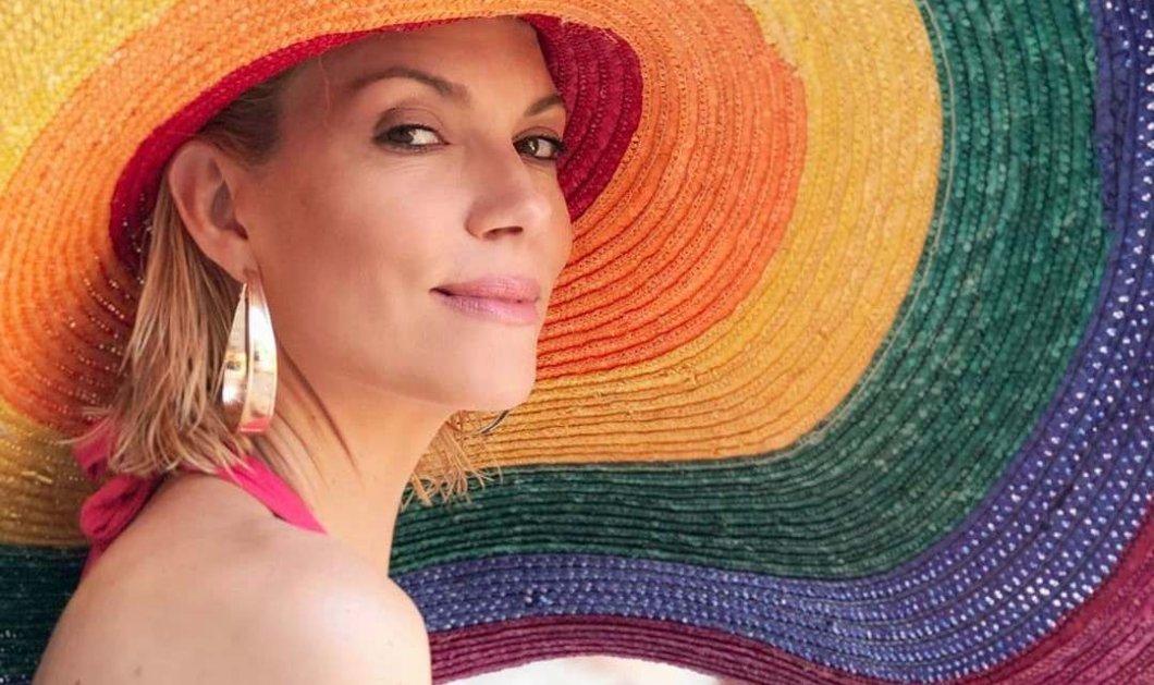 Η Βίκυ Καγιά με καπελαδούρα στην παραλία & χρυσούς κρίκους αποδεικνύει γιατί είναι Master Model (φώτο-βίντεο) - Κυρίως Φωτογραφία - Gallery - Video