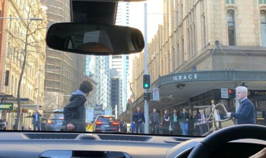 Αυστραλία: Άντρας με μαχαίρι επιτέθηκε σε περαστικούς - Σκότωσε μία γυναίκα & τραυμάτισε άλλη μία (φώτο-βίντεο) - Κυρίως Φωτογραφία - Gallery - Video