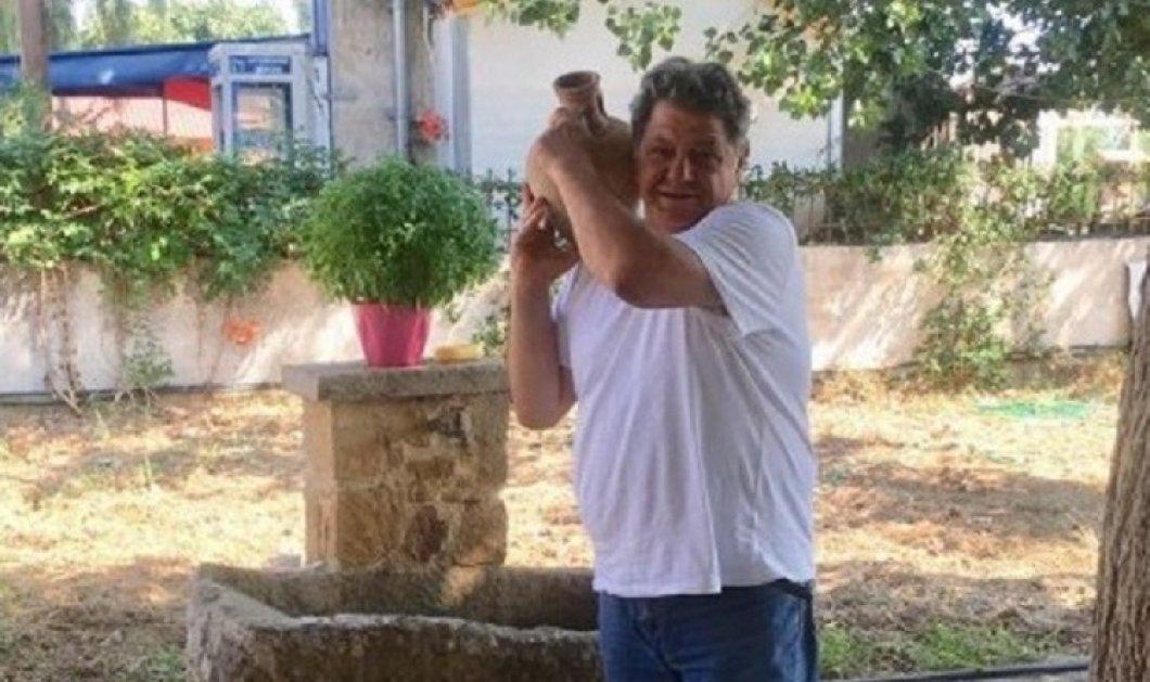 Ο Γιώργος Παρτσαλάκης κάνει τις διακοπές του στην Κρήτη & το ευχαριστιέται με μαγιό, με ρακές & με στάμνες (φώτο) - Κυρίως Φωτογραφία - Gallery - Video