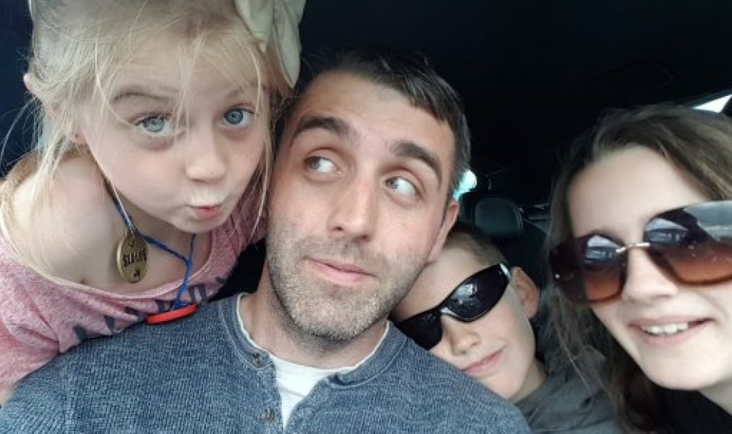 Story of the day: Παγκόσμια συγκίνηση με τη selfie του δακρυσμένου πατέρα 3 παιδιών πριν αυτοκτονήσει - Είχε χρέη & ήταν απελπισμένος (φώτο) - Κυρίως Φωτογραφία - Gallery - Video