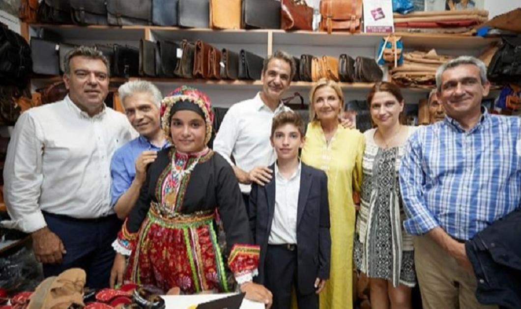 Το dress code της Μαρέβας Μητσοτάκη στην Κάρπαθο - Μέχρι και στιβάνια έβαλε (φώτο) - Κυρίως Φωτογραφία - Gallery - Video