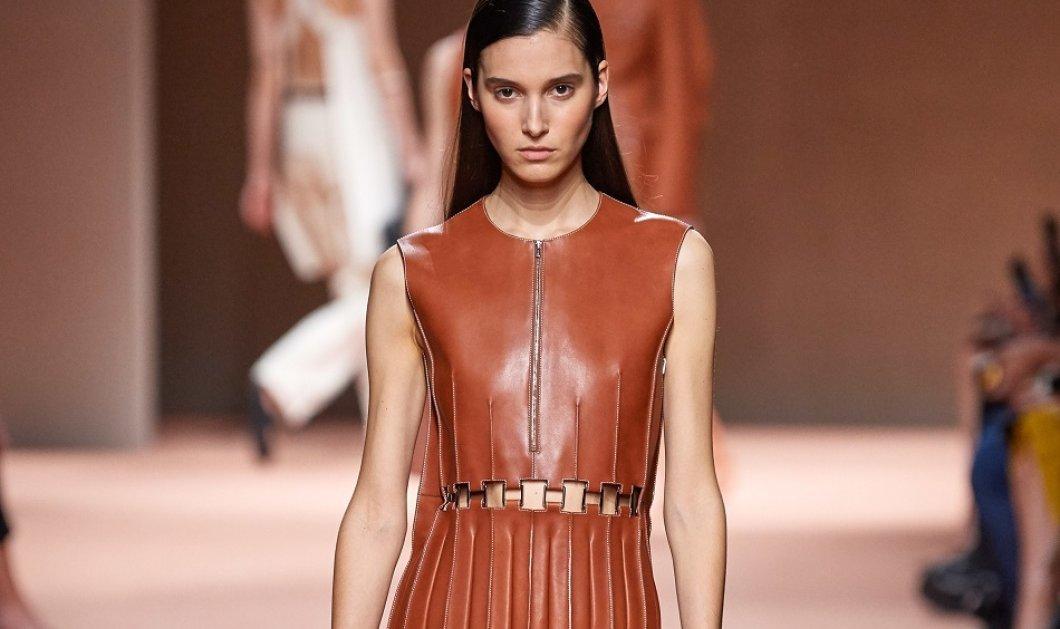 Η νέα κολεξιόν Hermes ήταν συναρπαστική! - Έπαιξε με σε φούστες, ταγιέρ, παλτό, παντελόνια - Σαν μετάξι (φώτο) - Κυρίως Φωτογραφία - Gallery - Video