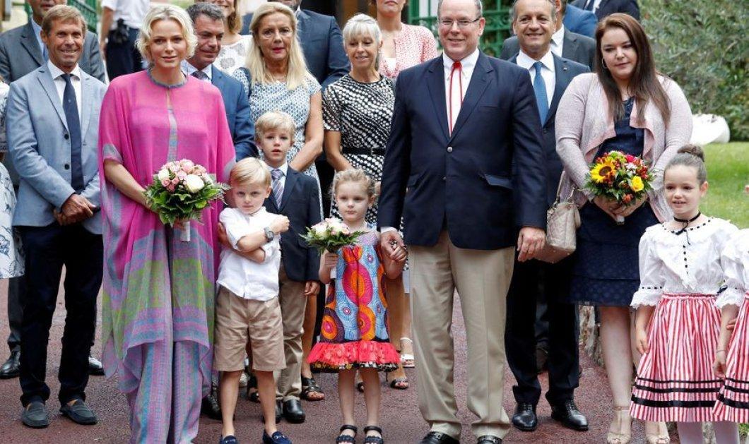 Με color block ανσάμπλ η πριγκίπισσα Σαρλίν του Μονακό - Αφρικάνικο μοτίβο για τη μικρή Γκαμπριέλα - Όλη η οικογένεια μαζί (φώτο) - Κυρίως Φωτογραφία - Gallery - Video