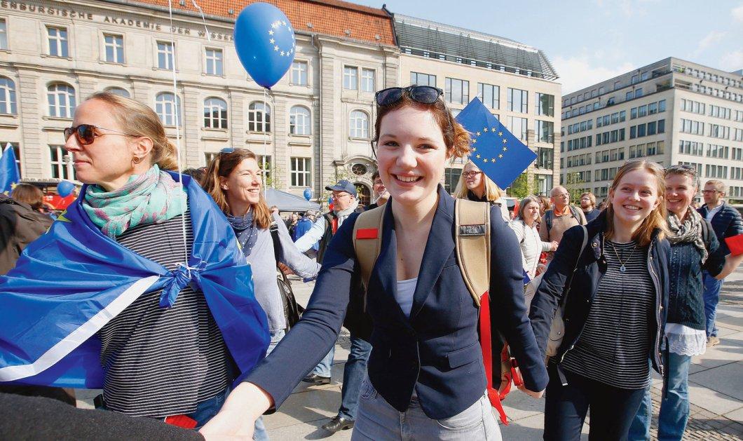 Ευρωπαϊκές εκλογές 2019: ρεκόρ συμμετοχής με κινητήρια δύναμη τους νέους - Κυρίως Φωτογραφία - Gallery - Video