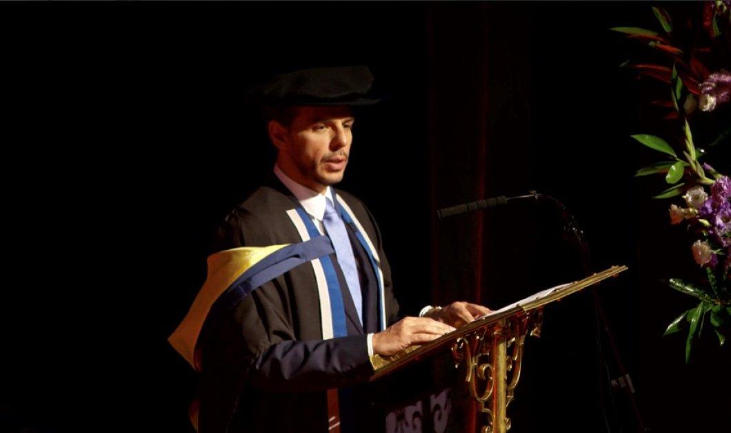 Ύμνος στην Ελλάδα η ομιλία του Δρ. Βασίλη Αποστολόπουλου στην τελετή αποφοίτησης του LCE  - Κυρίως Φωτογραφία - Gallery - Video