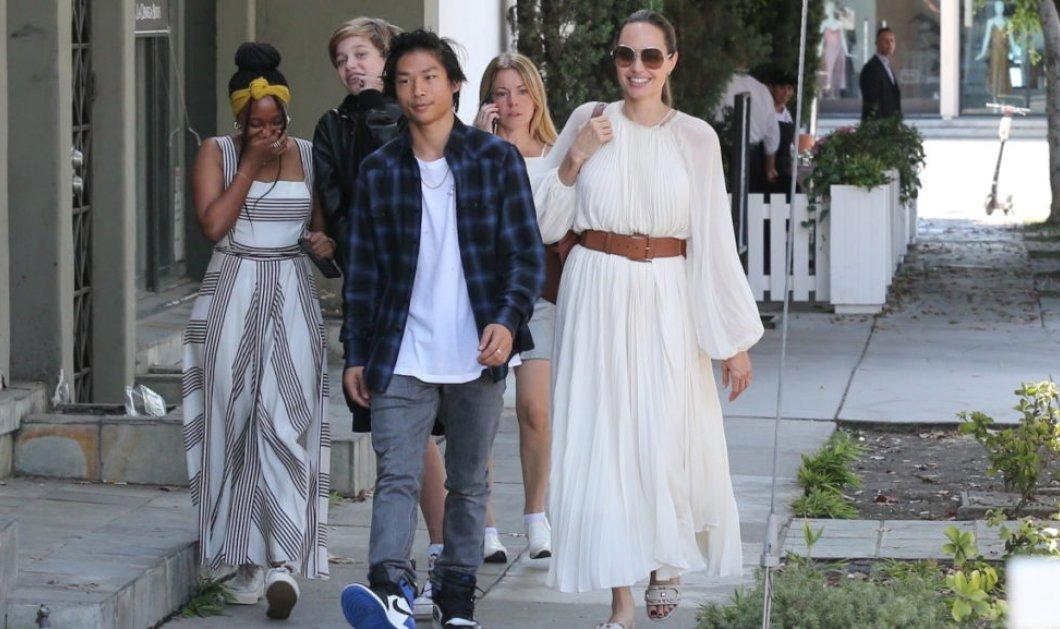 ''Ξεράθηκαν στα γέλια'' τα μεγαλύτερα παιδιά της Αντζελίνα Τζολί: Πήγαν σε εστιατόριο με την μαμά ντυμένη στα λευκά (φωτό) - Κυρίως Φωτογραφία - Gallery - Video