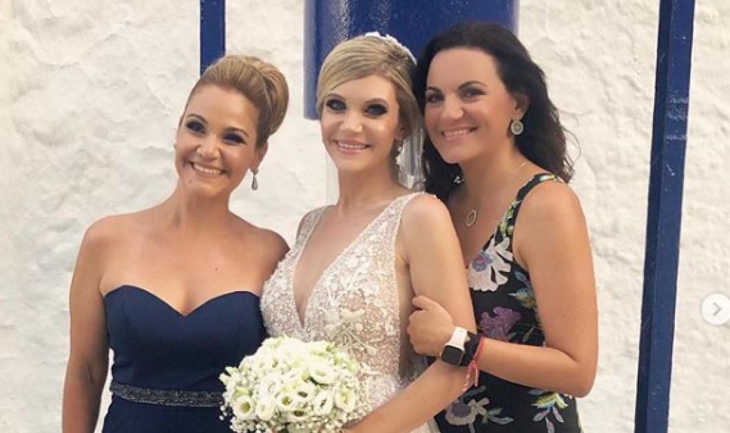 Ρόδος: Η Όλγα Κεφαλογιάννη με maxi floral φόρεμα & η Μίκα Ιατρίδη στο γάμο της αδελφής της - Κυρίως Φωτογραφία - Gallery - Video
