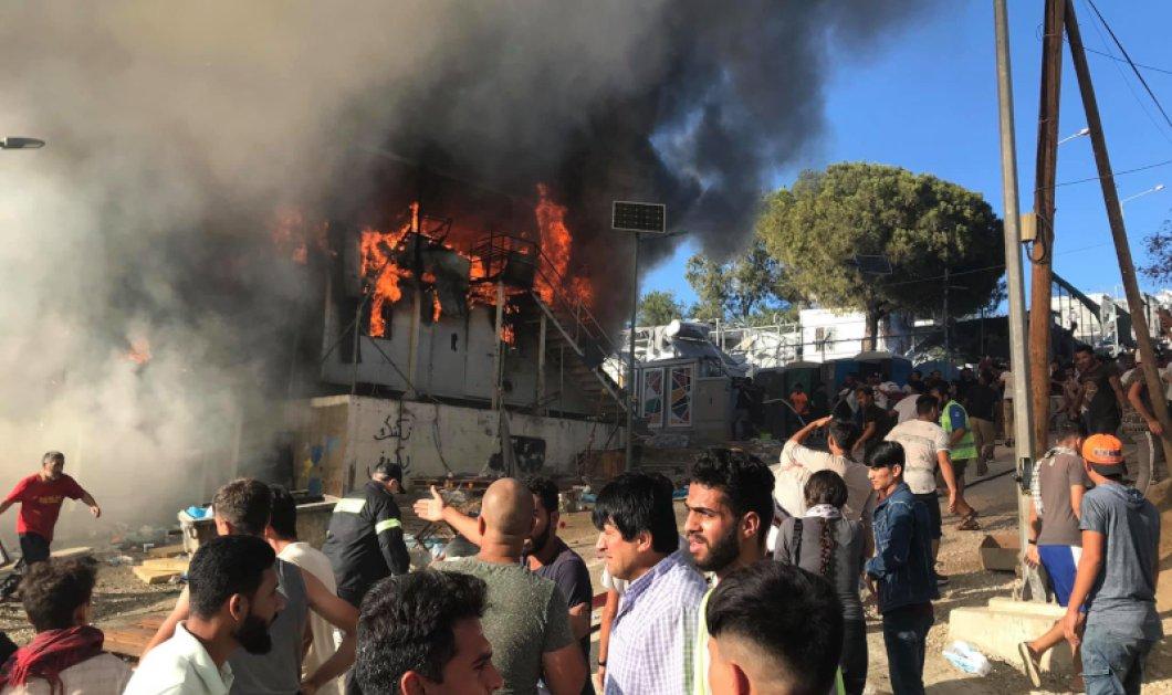 Μόρια: Δύο νεκροί & επεισόδια μετά από πυρκαγιά - Στη Μυτιλήνη ο αρχηγός της ΕΛ.ΑΣ & κυβερνητικά στελέχη (βίντεο) - Κυρίως Φωτογραφία - Gallery - Video