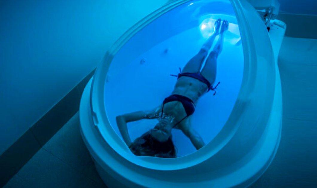 Floating tank: Tι είναι η «Μέθοδος Επίπλευσης» και που μας χρησιμεύει; - Κυρίως Φωτογραφία - Gallery - Video