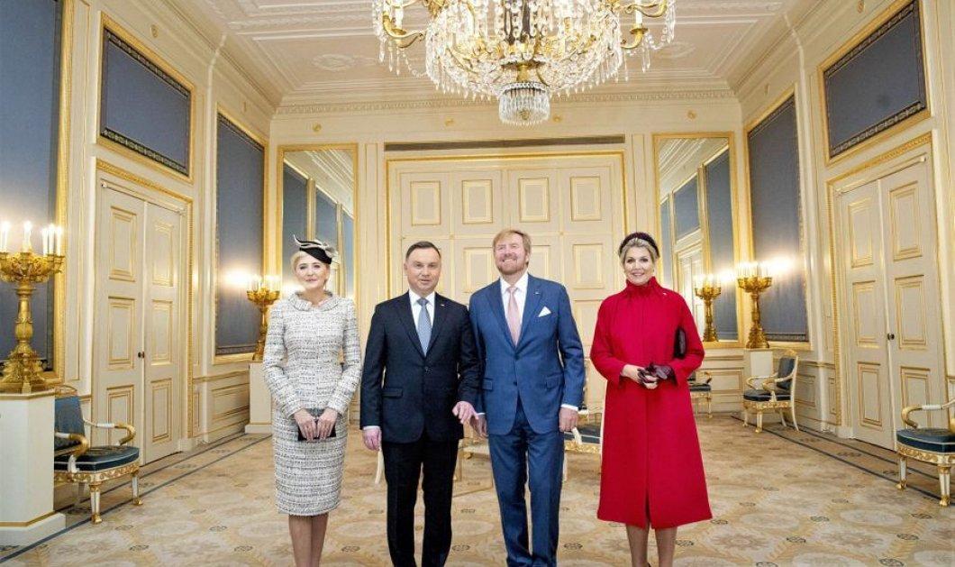 Η Μάξιμα φόρεσε το πιο κόκκινο εντυπωσιακό παλτό της σεζόν & υποδέχθηκε το προεδρικό ζευγάρι της Πολωνίας (φώτο) - Κυρίως Φωτογραφία - Gallery - Video