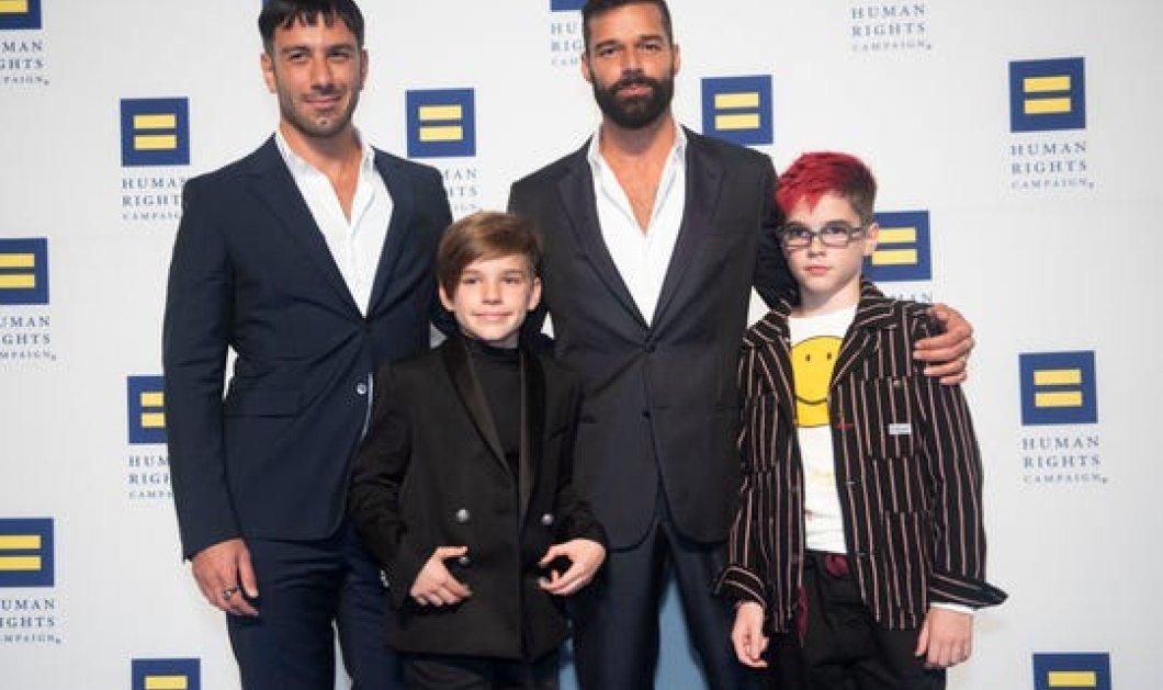 Ο Ricky Martin και ο σύζυγός του μόλις απέκτησαν το τέταρτο παιδί τους - Μια μεγάλη οικογένεια (φωτό)  - Κυρίως Φωτογραφία - Gallery - Video