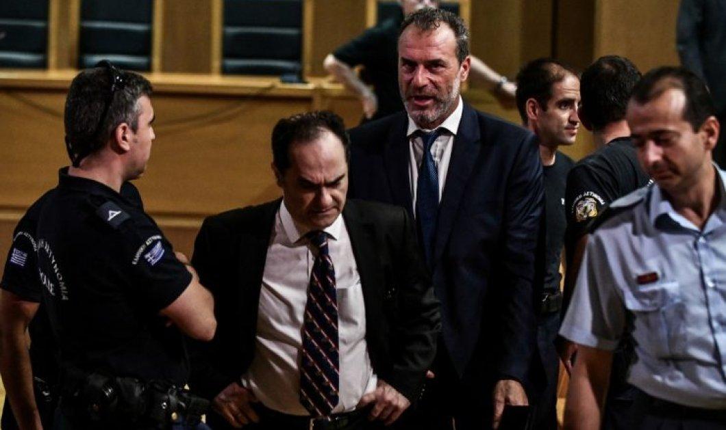 Δίκη Χ.Α: Ένταση κατά την διάρκεια της απολογίας του πρώην βουλευτή Νίκου Μίχου - «Έδωσε στεγνά» τον Μιχαλολιάκο - Κυρίως Φωτογραφία - Gallery - Video