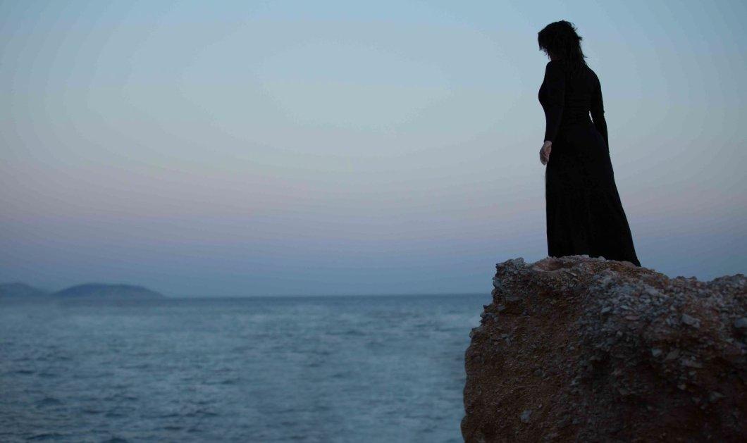 Τζόρνταν στο θέατρο Αλάμπρα - Με τη Μαρία Κορινθίου στο ρόλο της τραγικής ηρωίδας Σίρλεϋ Τζόουνς   - Κυρίως Φωτογραφία - Gallery - Video