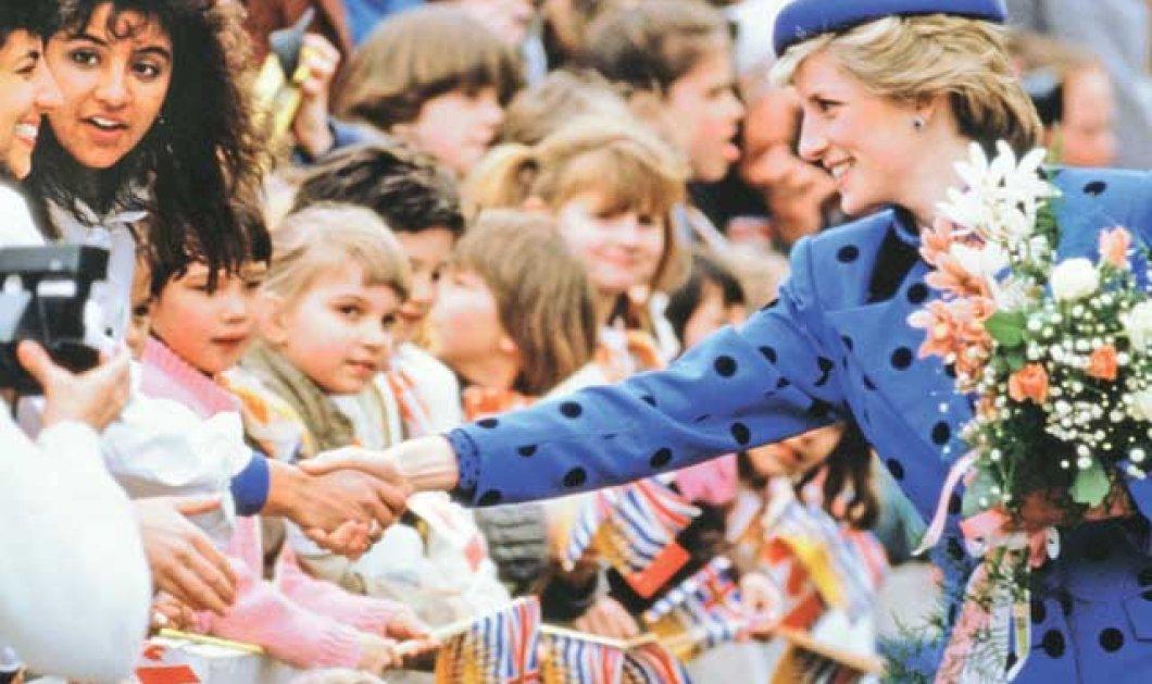 """Οι πρώτες εικόνες της Έμα Κόριν να υποδύεται την πριγκίπισσα Νταϊάνα στη σειρά """"The Crown"""" - Κυρίως Φωτογραφία - Gallery - Video"""