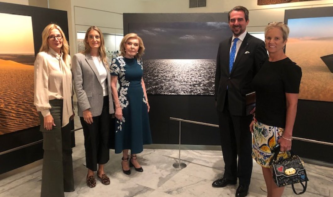 """Αποκλειστικές φωτό – βίντεο: Η Μαρέβα Μητσοτάκη στην έκθεση του Πρίγκιπα Νικολάου """"Aegean Desert"""" -  Μαζί με την  Μαριάννα Βαρδινογιάννη & την Kerry Kennedy  - Κυρίως Φωτογραφία - Gallery - Video"""