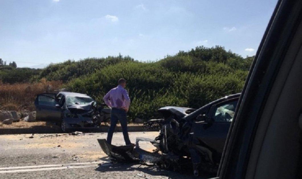 Κρήτη: Η κυριακάτικη βόλτα μετατράπηκε σε τραγωδία - Mία νεκρή γυναίκα σε τροχαίο - Αγωνία για δύο κοριτσάκια  - Κυρίως Φωτογραφία - Gallery - Video