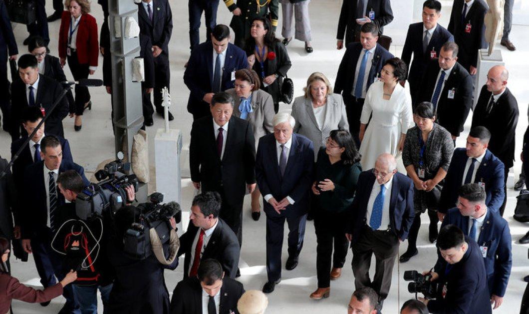 """Σι Τζινπίνγκ μπροστά στις Καρυάτιδες: """"Όχι μόνο συμφωνώ με την επιστροφή των γλυπτών του Παρθενώνα αλλά θα έχετε & την υποστήριξη μου (φώτο) - Κυρίως Φωτογραφία - Gallery - Video"""