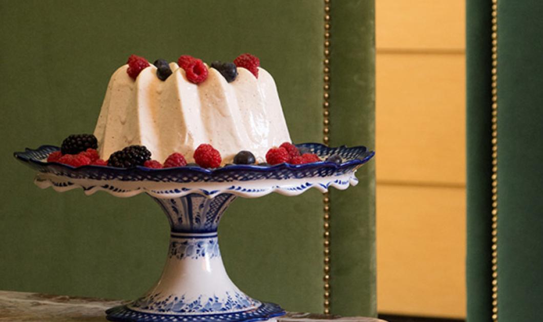 Ο Στέλιος Παρλιάρος μας εντυπωσιάζει με ένα Ευρωπαϊκό γλυκό - Πεντανόστιμο Blanc Manger με λευκή κρέμα & αμύγδαλα - Κυρίως Φωτογραφία - Gallery - Video