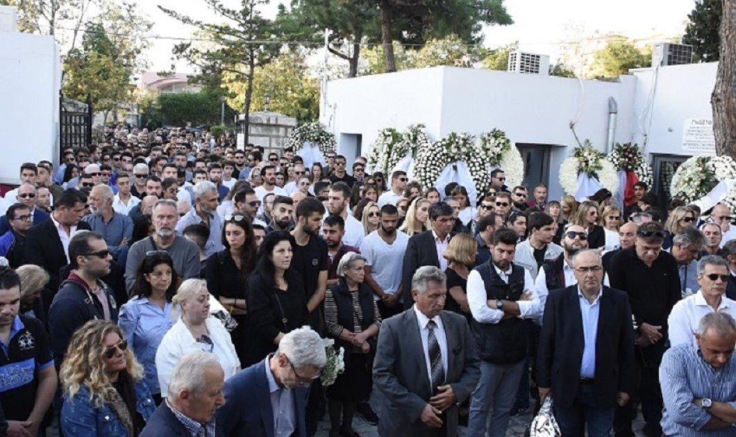 Θρήνος στην κηδεία του Αδαμάντιου Μαντή - Πλήθος κόσμου αποχαιρέτησε τον 21χρονο πολίστα - Συγκλονίζει η μητέρα του (φώτο) - Κυρίως Φωτογραφία - Gallery - Video