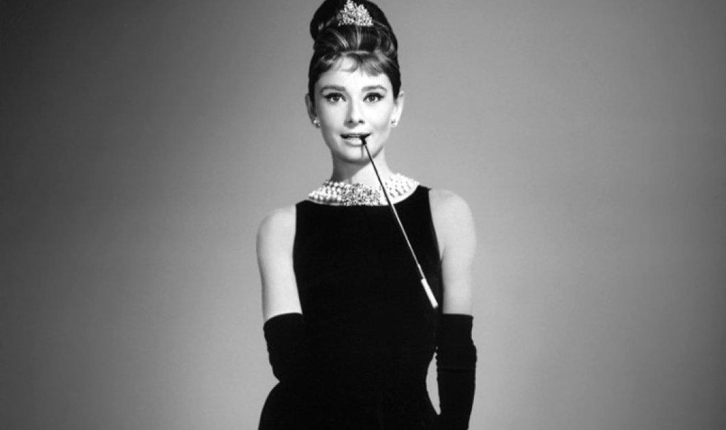 "Vintage fashion pic: Η ""Θεά του στυλ"" - Όντρεϊ Χέπμπορν αγοράζει καπέλο - Της πάει; - Κυρίως Φωτογραφία - Gallery - Video"