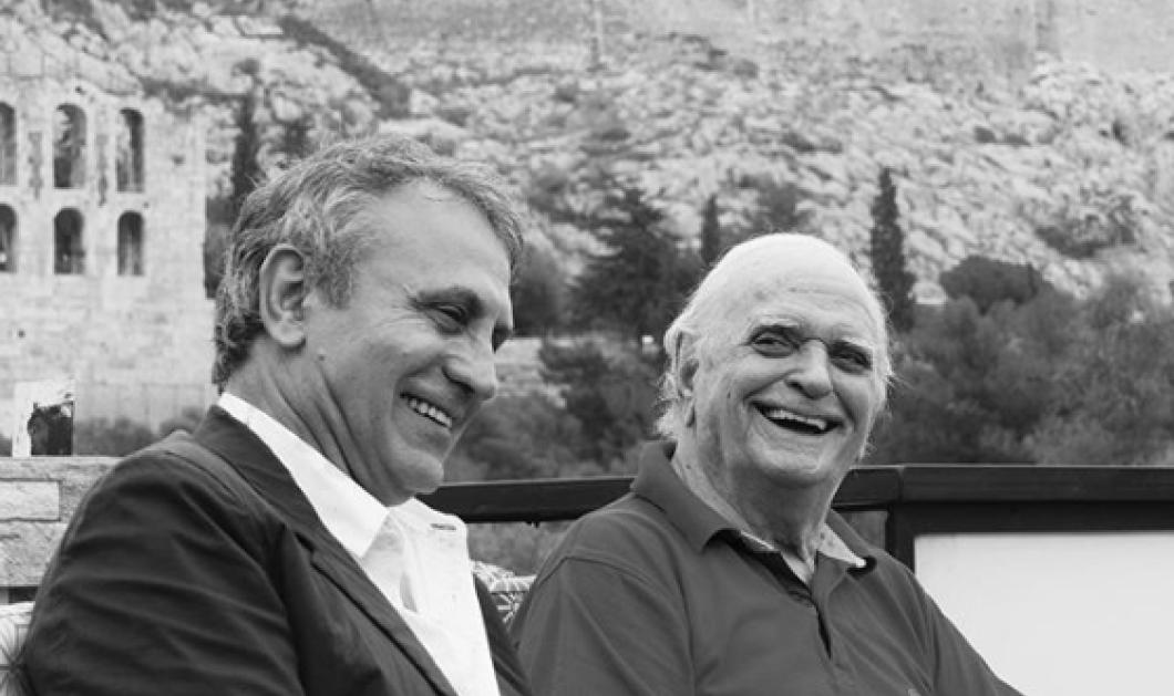 Ο Γιώργος Νταλάρας εύχεται Χρόνια Πολλά στον αγαπημένο του στιχουργόΛευτέρη Παπαδόπουλο - Φώτο - Κυρίως Φωτογραφία - Gallery - Video