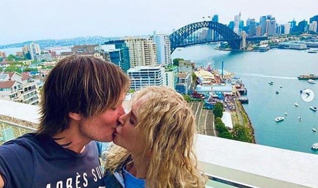 Νικόλ Κίντμαν - το φυσικό της: Σγουρά μαλλιά & γλυκά φιλιά στον άνδρα της - Φώτο - Κυρίως Φωτογραφία - Gallery - Video
