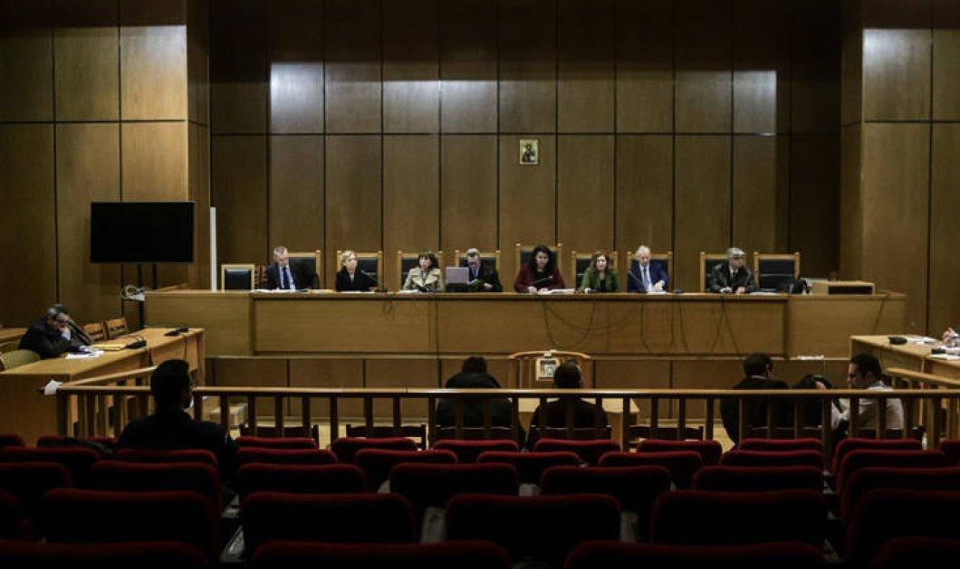 Δίκη Χρυσής Αυγής: Ενοχή μόνο για τον Ρουπακιά προτείνει η εισαγγελέας  - Κυρίως Φωτογραφία - Gallery - Video