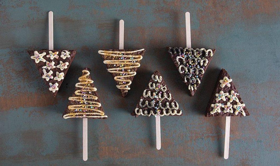 Ο Άκης Πετρετζίκης έχει κέφια! Προτείνει γιορτινά Brownies - ελατάκια - Να πως τα φτιάχνουμε  - Κυρίως Φωτογραφία - Gallery - Video