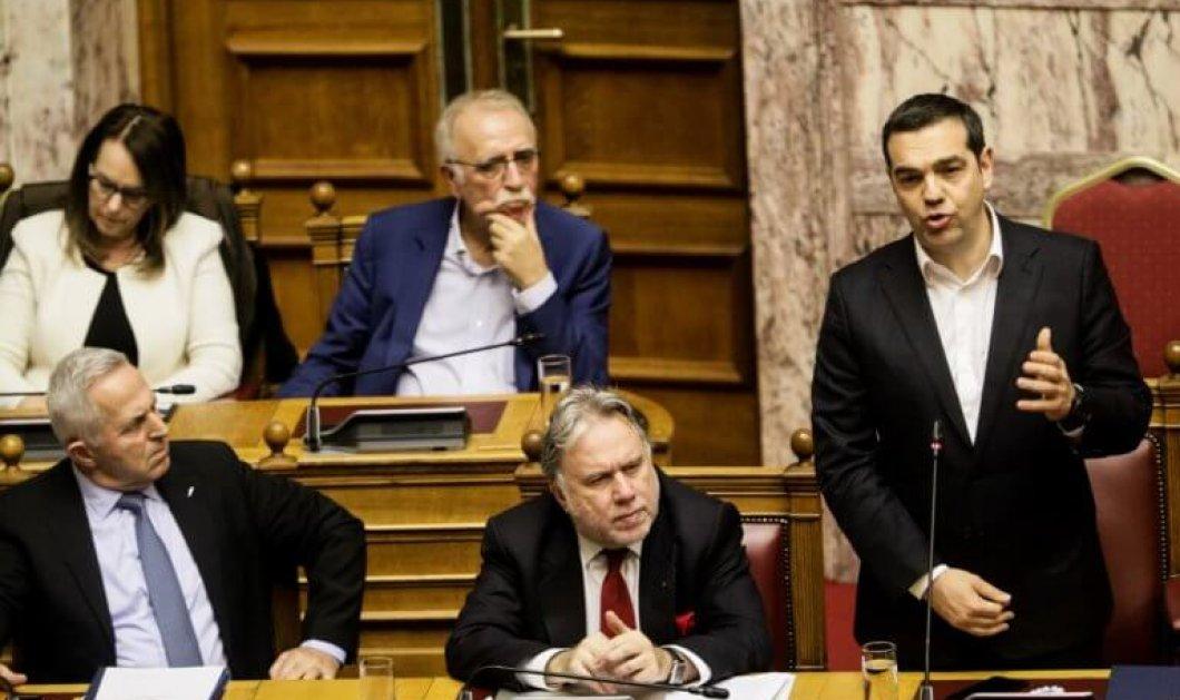 Το ΠΑΣΟΚ είναι εδώ και πάει ΣΥΡΙΖΑ: Οι 120 που προσχωρούν στην αξιωματική αντιπολίτευση - Κυρίως Φωτογραφία - Gallery - Video
