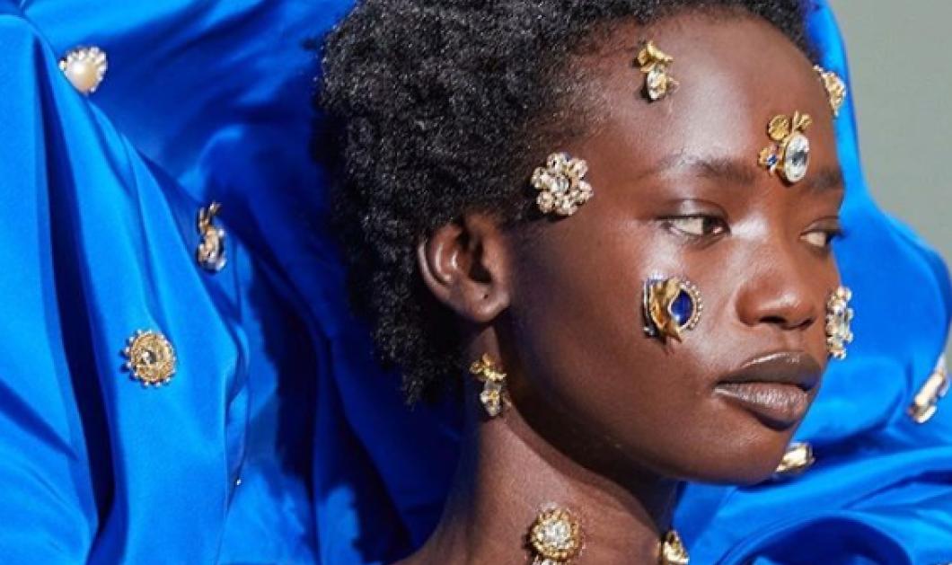 Τα κοσμήματα πάνω στο σώμα - πρόσωπο της μαύρης καλλονής - Φωτογραφία με πολλαπλά μηνύματα - Κυρίως Φωτογραφία - Gallery - Video