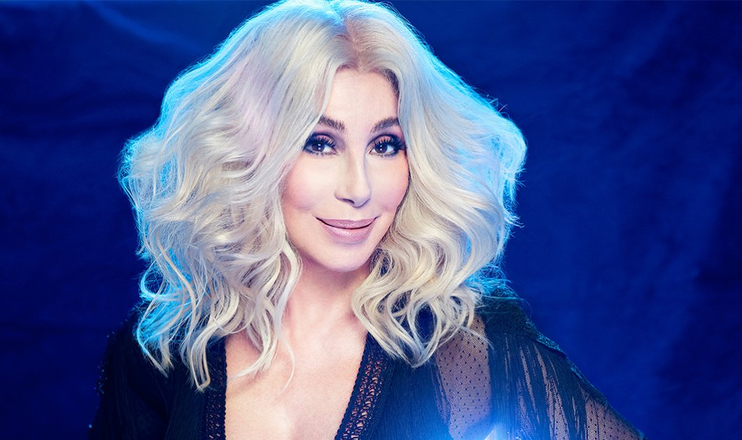 Cher - Αυτή η γυναίκα είναι αειθαλής: Εντυπωσίασε με την νεανική εμφάνιση της στηνΈλεν ΝτιΤζένερις - Βίντεο - Κυρίως Φωτογραφία - Gallery - Video