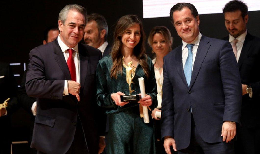 Topwoman η Χριστίνα Πιστοφίδου & η Wéngko Molé η εταιρεία της με τα ωραία ρούχα - Βραβείο Νέου Επιχειρηματία, ΕΒΕΑ 2020 (φώτο)  - Κυρίως Φωτογραφία - Gallery - Video