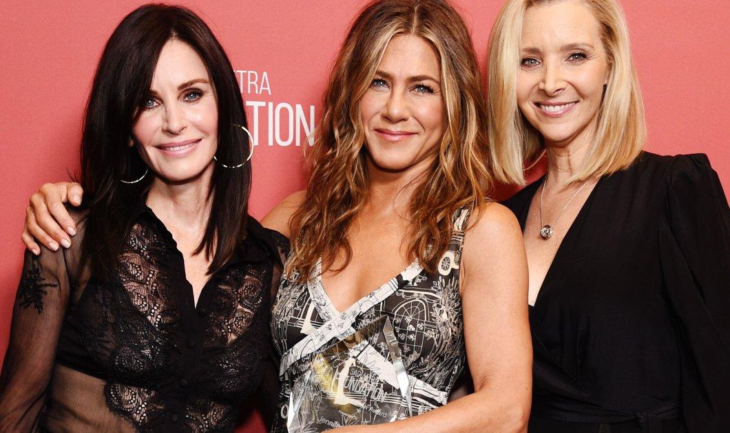 Η Jennifer Aniston βγήκε για ποτό με Courteney Cox & Lisa Kudrow & τα κορίτσιαέκανανχαμούλη στο instagram - Φώτο - Κυρίως Φωτογραφία - Gallery - Video