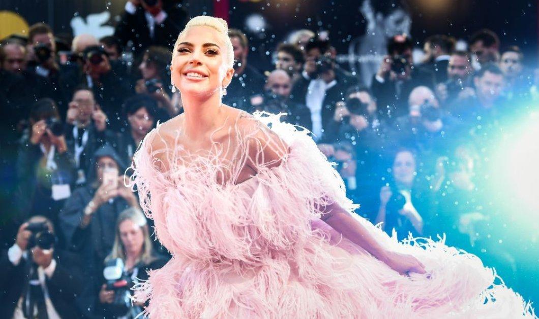 Lady Gaga fully in love: Ο τυχερός έκλεισε τα μάτια όταν τον φίλησε η πριγκίπισσα τηςποπ- Βίντεο  - Κυρίως Φωτογραφία - Gallery - Video