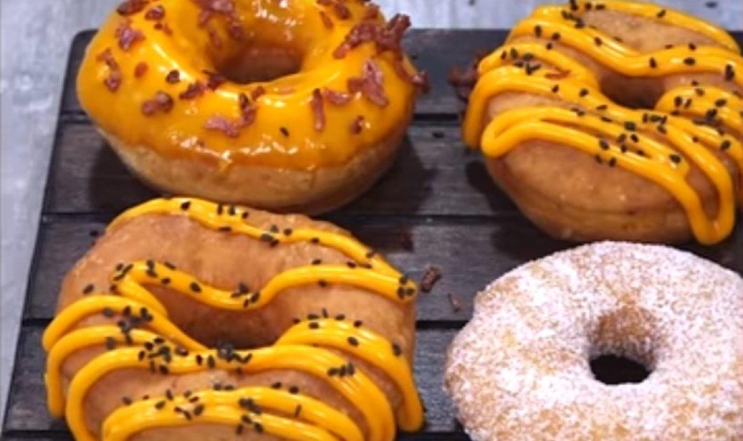 Έχετε δοκιμάσει αλμυρά ντόνατς; Η συνταγή του Άκη Πετρετζίκη θα σας ενθουσιάσει! - Κυρίως Φωτογραφία - Gallery - Video