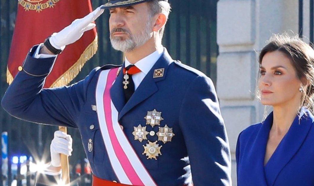 Βασιλικό ζεύγος Ισπανίας: Η επίσημη εμφάνιση & η βελούδινη μπλε μάξι τουαλέτα της Λετίσια (φωτό) - Κυρίως Φωτογραφία - Gallery - Video
