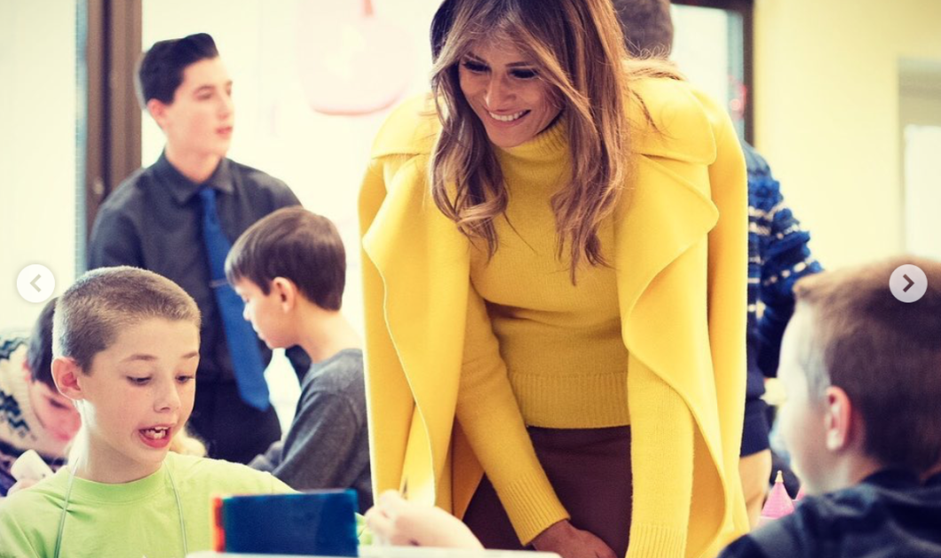 Τα παλτό της εβδομάδας φόρεσαν σε κίτρινο και κόκκινο η Μελάνια Τραμπ και  η Τζέιν Φόντα - Δείτε τα! (φωτό) - Κυρίως Φωτογραφία - Gallery - Video