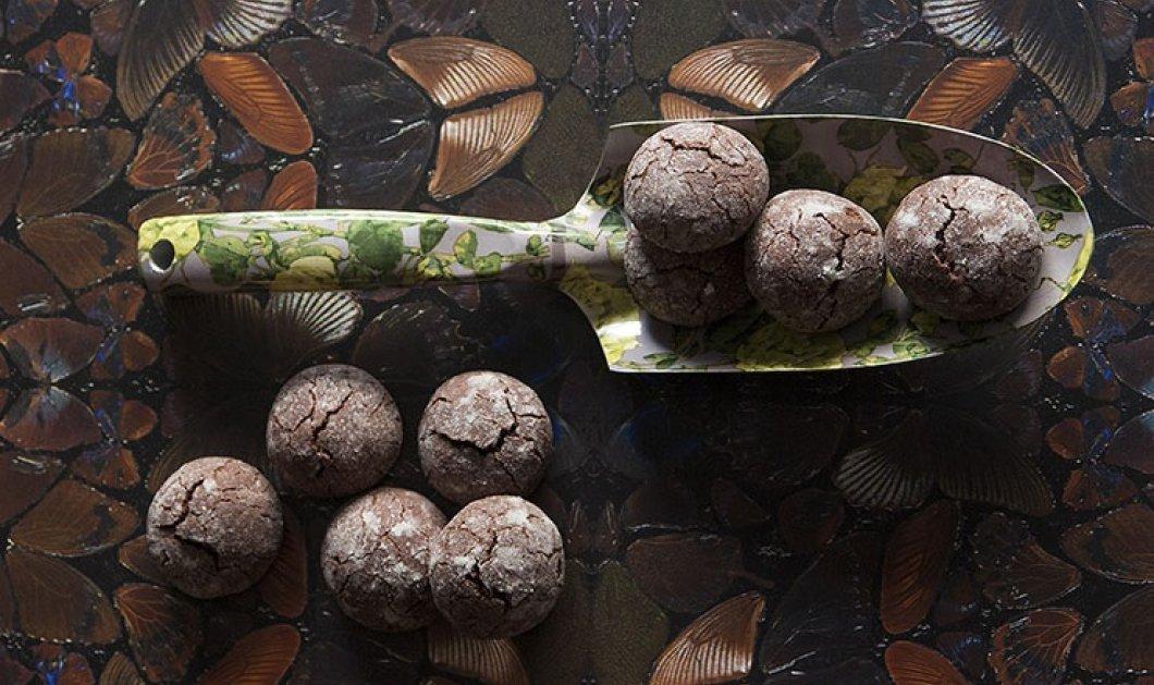 Υπέροχα υγρά μπισκότα σοκολάτας από τον Στέλιο Παρλιάρο - Κυρίως Φωτογραφία - Gallery - Video